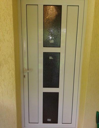 Входни врати11