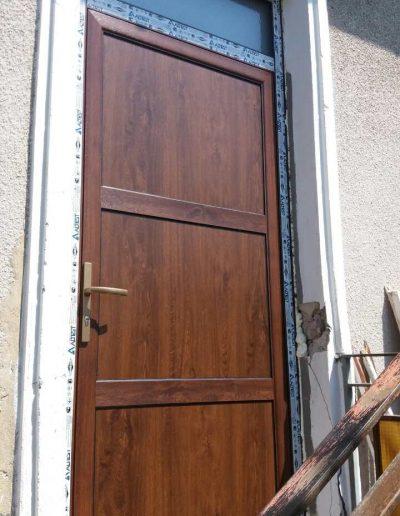 Входни врати34